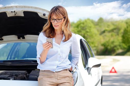 How to Handle a Roadside Breakdown