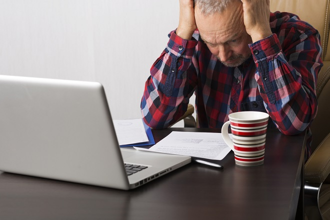 Confusion or drowsiness are early signs of CO poisoning