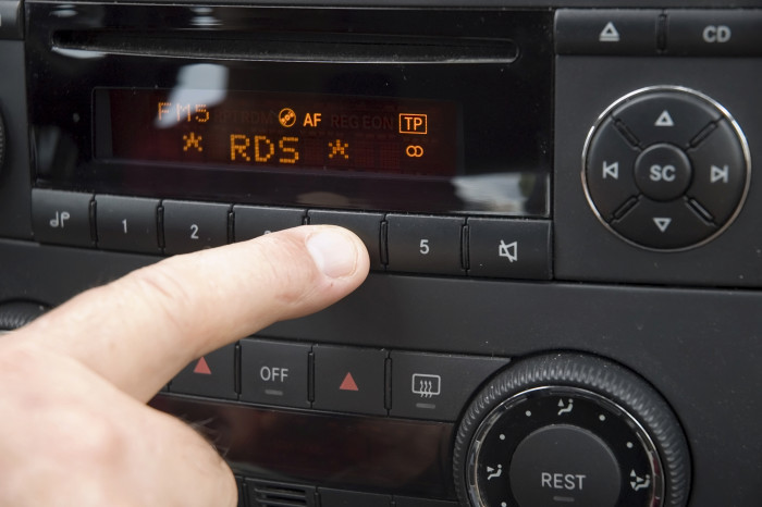 Changing radio settings while driving