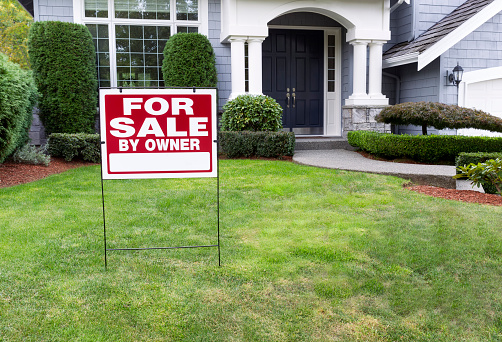 The Pros and Cons of Selling Your Own Home