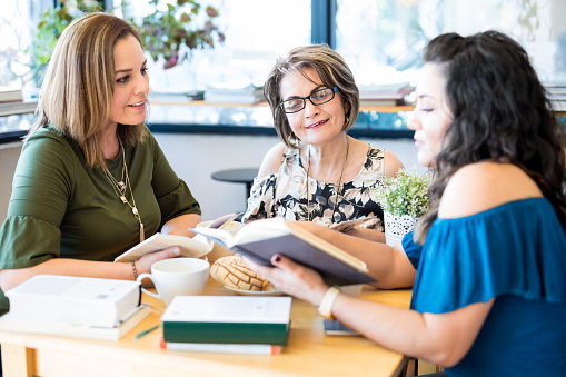 Tips to Keep a Book Club Lively