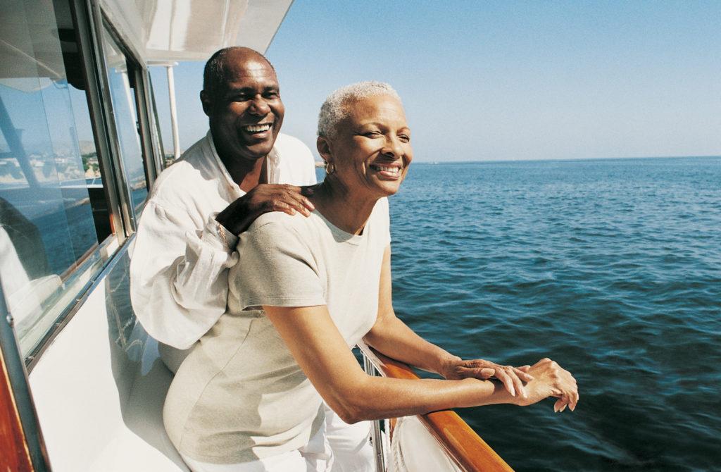 couple-on-cruise-vacation