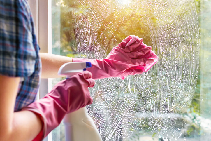 Doing Wrong - Cleaning Windows in Sun