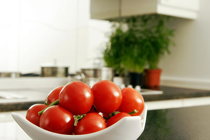 Store Tomatoes on Counter